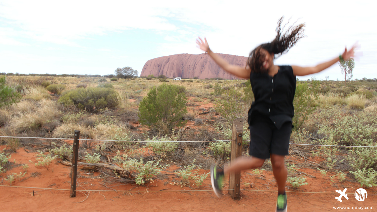 Australian Backpack tour Ayers Rock in the Outback