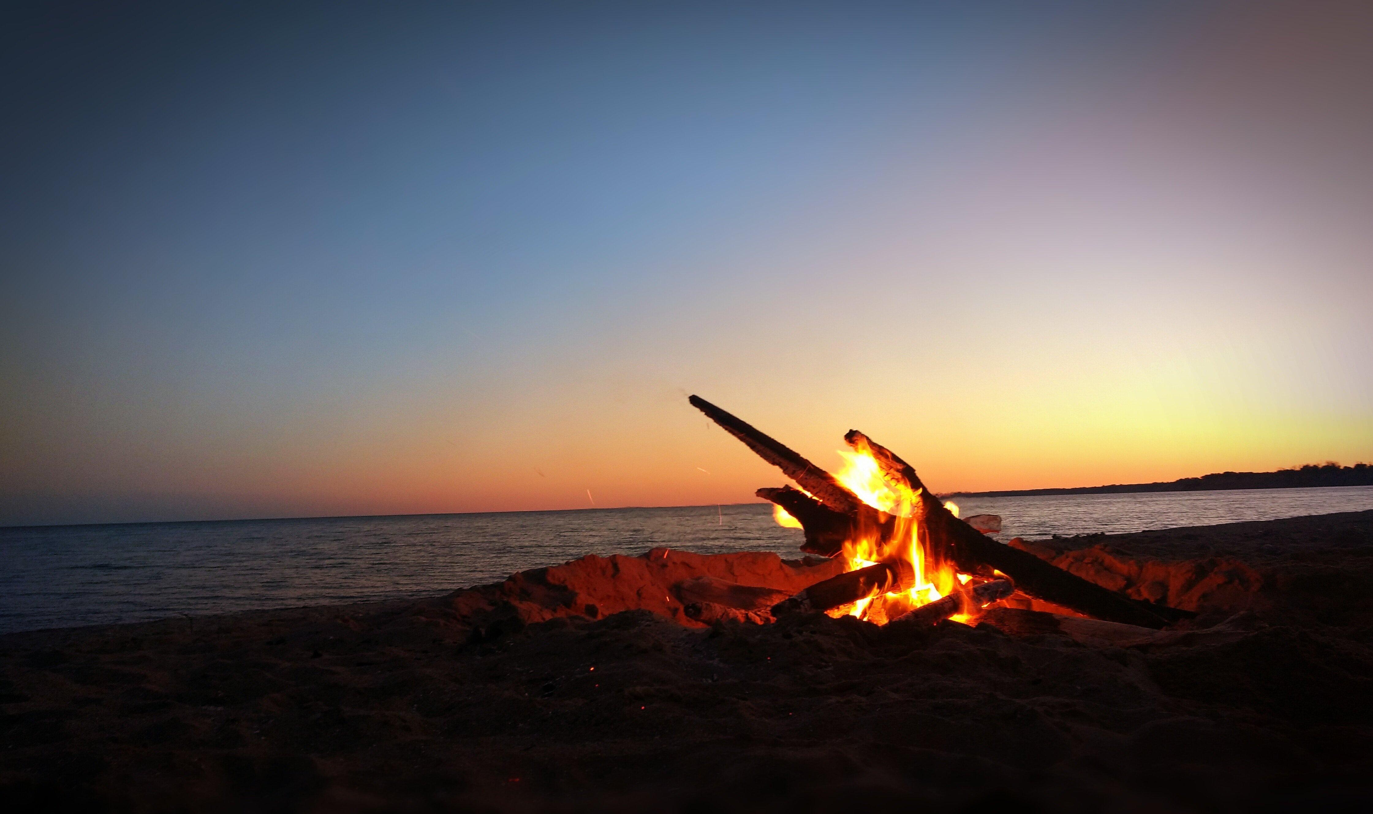 Fall Bucket list & Autumn Photography Challenge October Fire and Winter beach